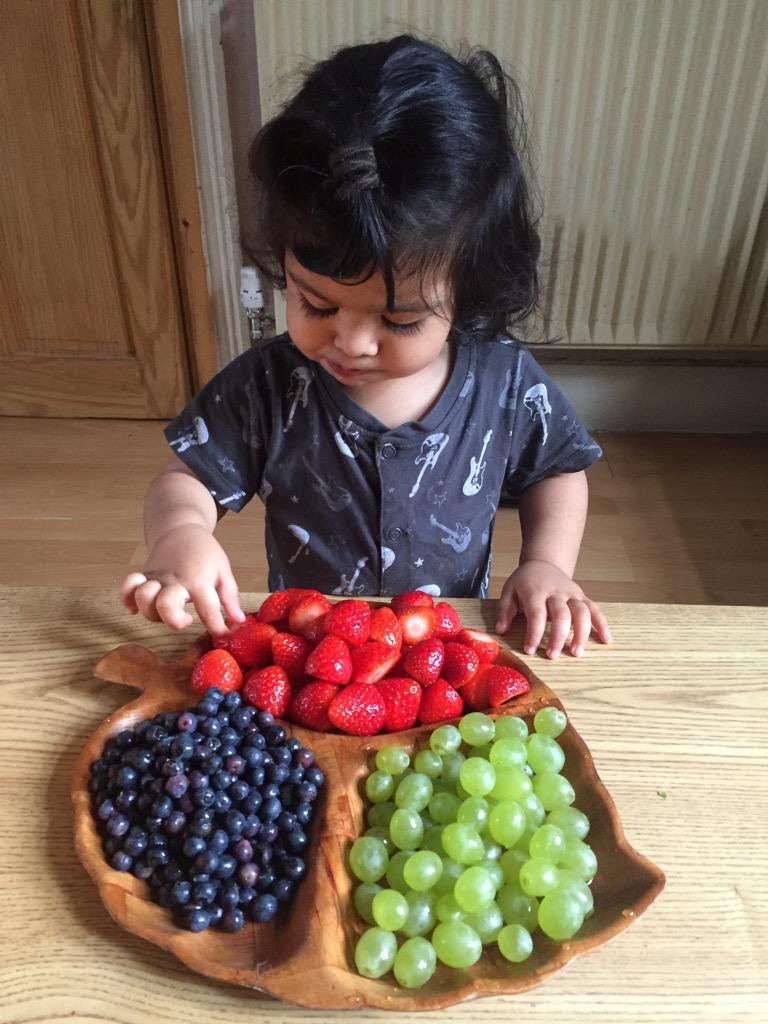 18 month toddler update - yummy snacks