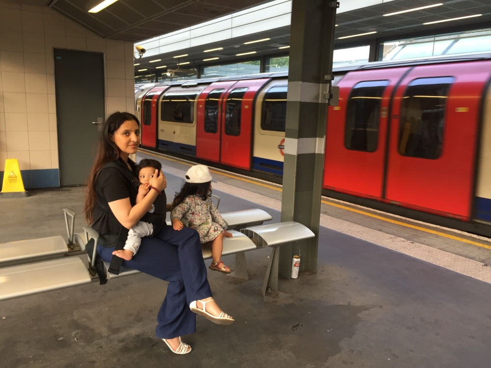 Baby wearing, sling, mum about town, public transport, out and about with children, sling
